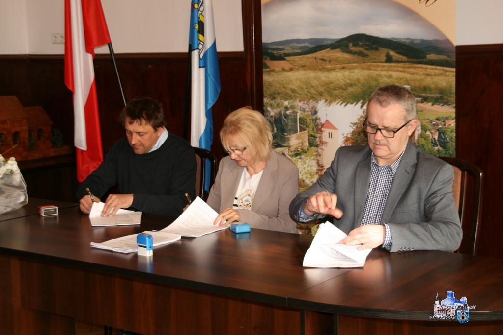 (FOTO) Podpisano umowę z wykonawcą Bolkowskiej Galerii Historyczno-Artystycznej ARS ET HISTORIA