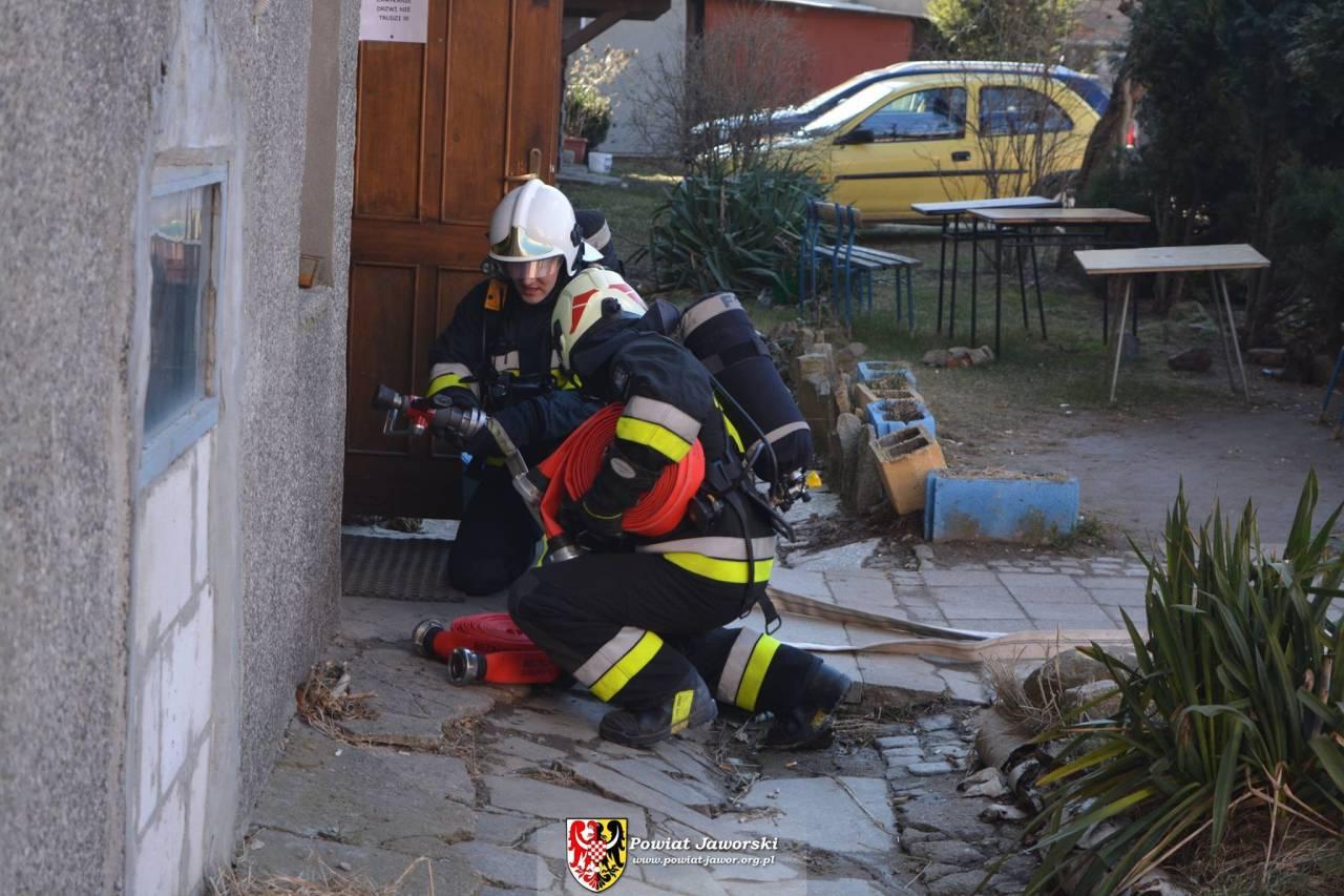 (FOTO) Jawor: Pożar w internacie